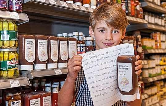 Fabricante de molhos Waitrose adota sugestão de embalagem recebida por criança de 6 anos