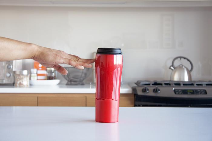Mighty Mug – A caneca a prova de desastrados, que não cai de jeito nenhum
