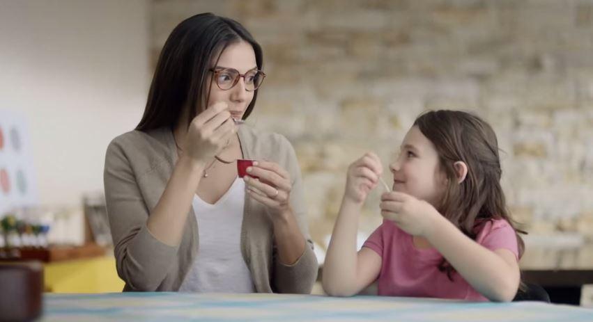 Em clipe emocionante, Nestlé relança o delicioso Chambinho