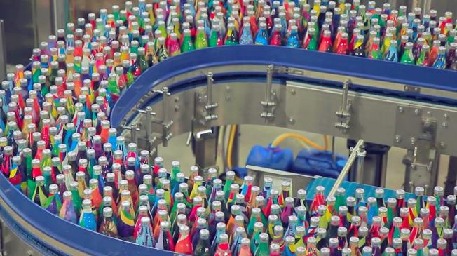 coke-coca-cola-diet-2-milhoes-estampas-garrafas-diferentes-linha-de-producao-blog-geek-publicitario
