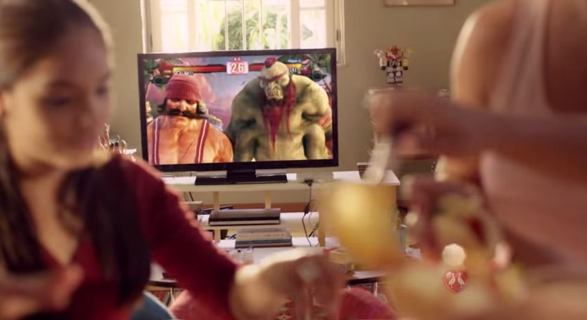 Satirizando games, Perdigão reaparece na TV pra brigar com Seara pelo Hot Dog