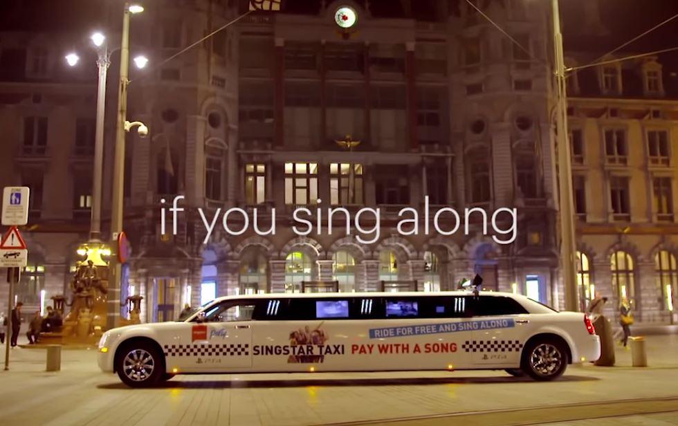 Singstar: Playstation coloca Táxi Limousine com Karaokê nas ruas pra divulgar novo game
