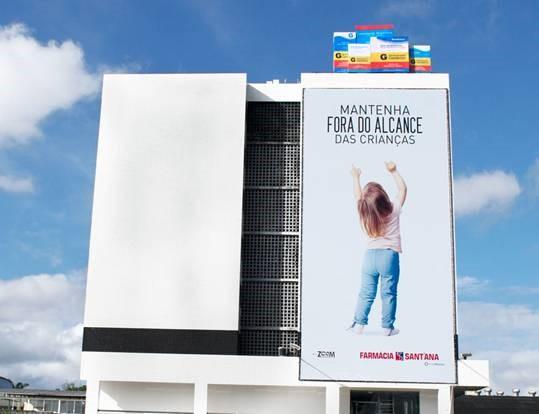farmacia-santana-mantenha-fora-do-alcance-das-criancas-2-geek-publicitario