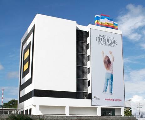 farmacia-santana-mantenha-fora-do-alcance-das-criancas-geek-publicitario