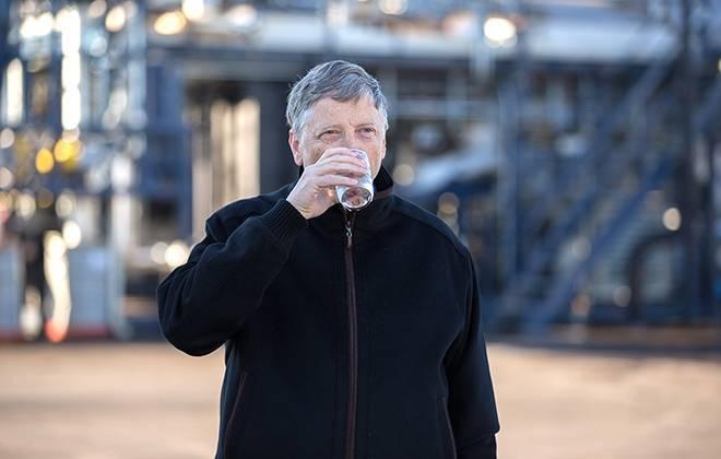 Esta máquina maluca do Bill Gates transforma lixo em água e energia