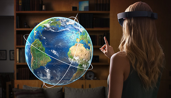 mulher-interagindo-globo-terrestre-blog-geek-publicitario