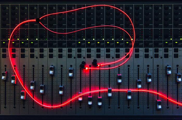 fone-de-ouvido-glow-vermelho-android
