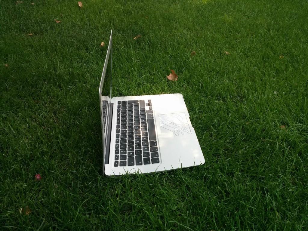macbook-air-ainda-estava-ligado-apos-queda-300m-2-blog-geek-publicitario
