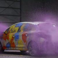 Peugeot danifica próprio carro em anúncio, para ir além da beleza