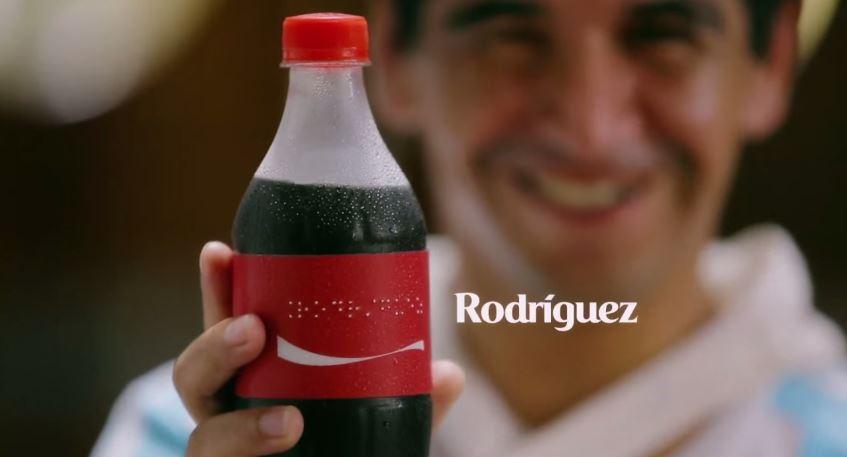 coca-cola-rotulo-embalagem-braile-garrafa-argentina-jogadores-futebol-blog-geek-publicitario