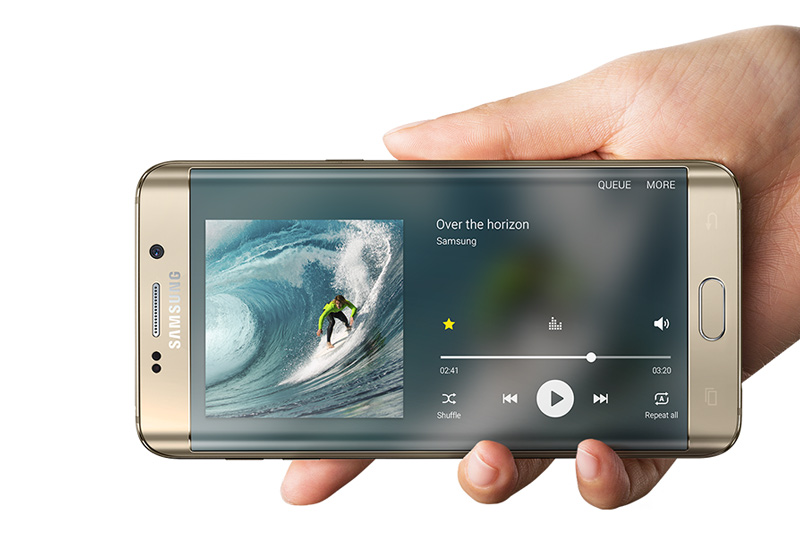 samsung-galaxy-s6-edge-plus-bord-player-blog-geek-publicitario