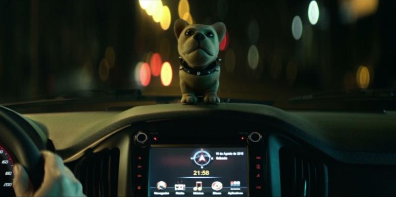 Enfeite de cão que mexe a cabeça estrela comercial do novo Uno 2016