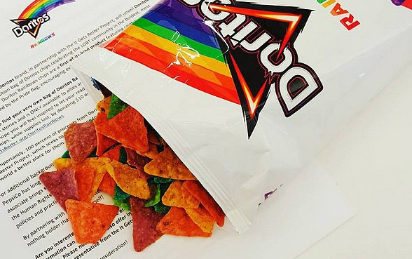 Doritos Rainbows: Pepsico lança nachos arco-íris em parceria com ONG LGBT