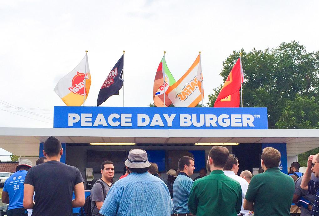 fila-popup-store-peace-burger-day-burger-king-giraffas-blog-geek-publicitario