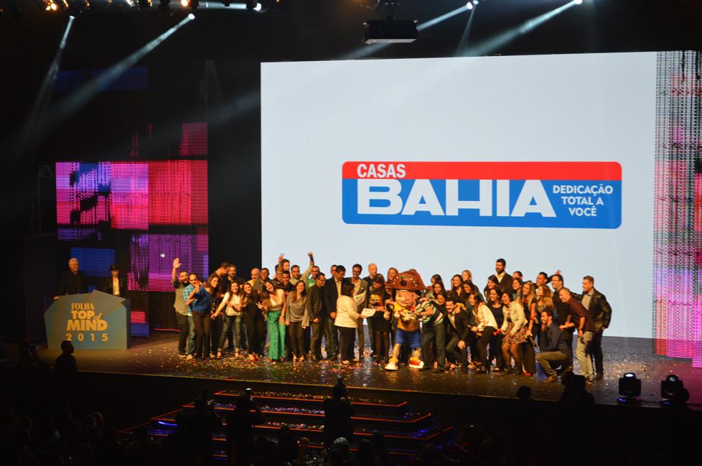 casas-bahia-folha-top-of-mind-2015-blog-geek-publicitario