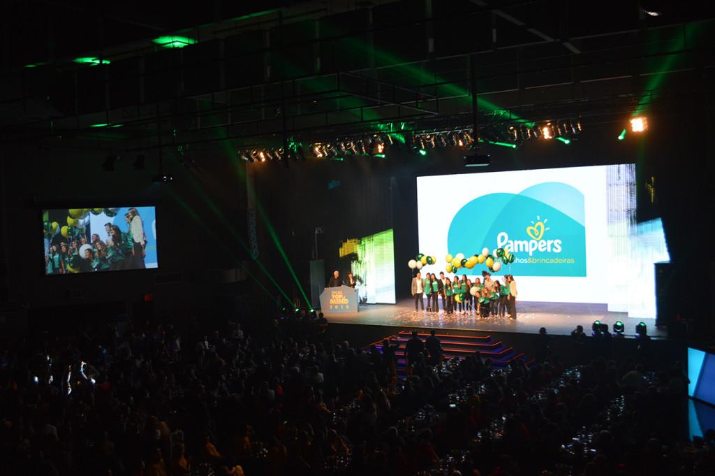 pampers-folha-top-of-mind-2015-blog-geek-publicitario