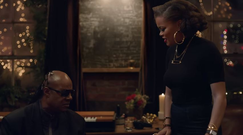 comercial-apple-natal-2015-stevie-wonder-andra-day-blog-geek-publicitario