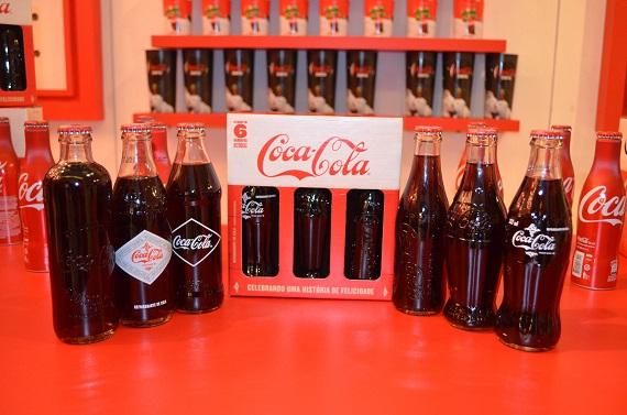 Coca-Cola lança pack comemorativo com garrafas históricas
