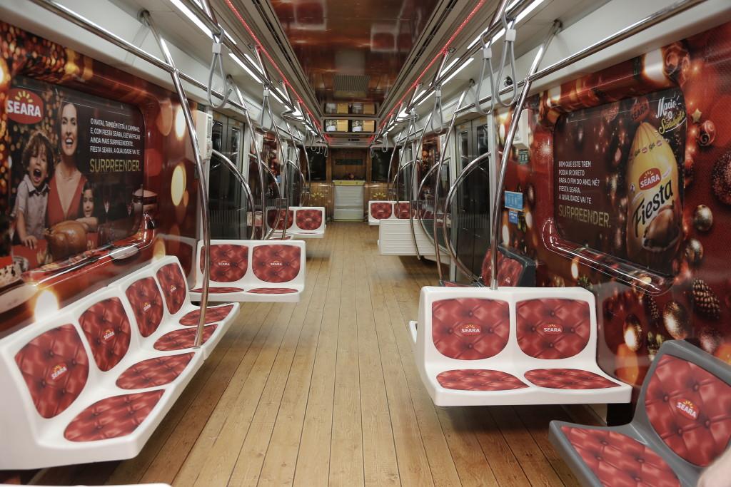 seara-leva-papai-noel-personaliza-trens-metro-sp-2-blog-geek-publicitario