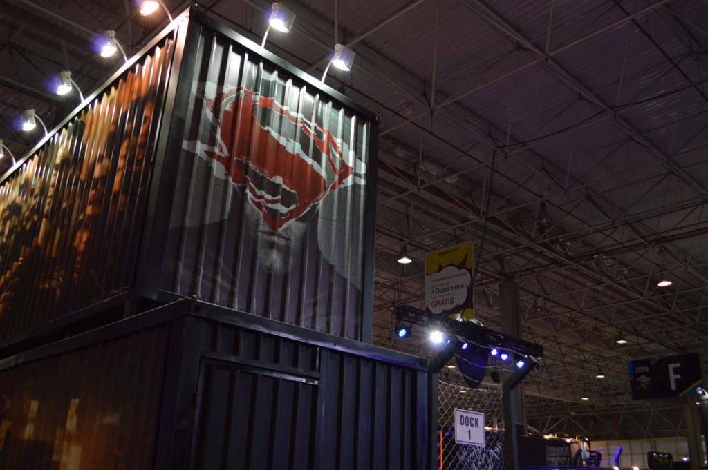 superman-warner-bros-estande-ccxp-comic-con-2015-blog-geek-publictario