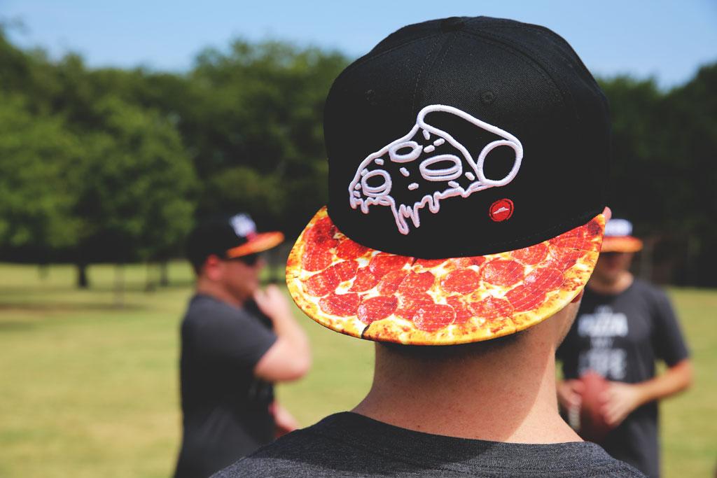 bone-pizza-hut-swag-linha-de-roupas-blog-geek-publicitario