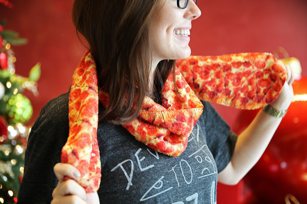 cachecol-pizza-hut-swag-linha-de-roupas-blog-geek-publicitario
