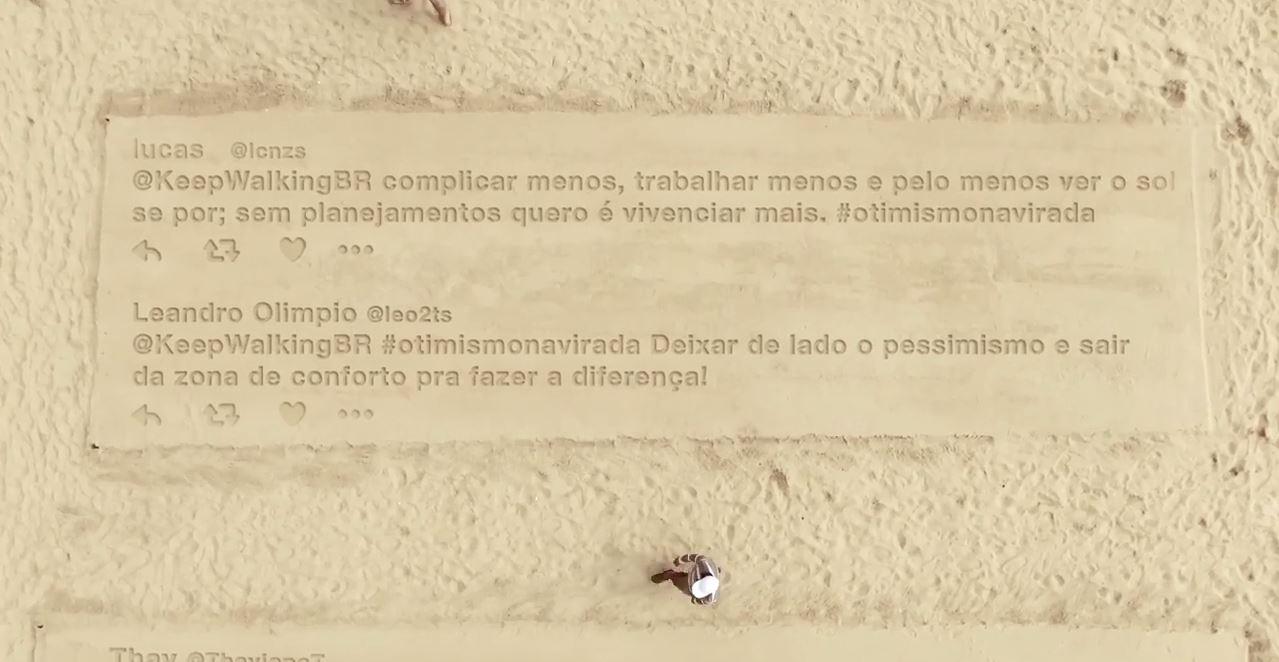 johnnie-walker-imprime-tweets-areia-praia-recife-otimismonavirada-blog-geek-publicitario