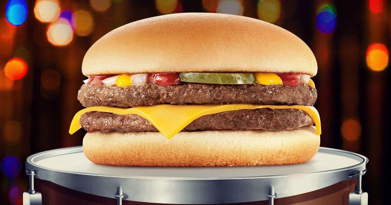 Após 7 anos, McDuplo volta a fazer parte do cardápio do McDonald's