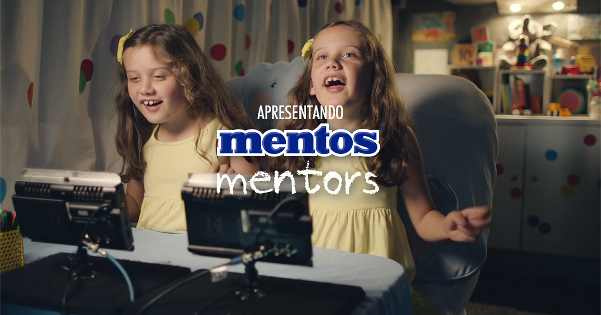 novo-comercial-mentos-mentors-criancas-guiam-adultos-amizades-blog-geek-publicitario
