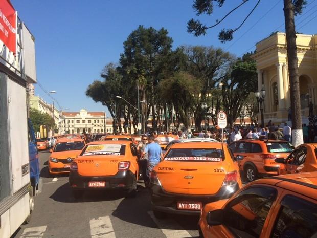Protesto de taxistas contra o Uber em 2015