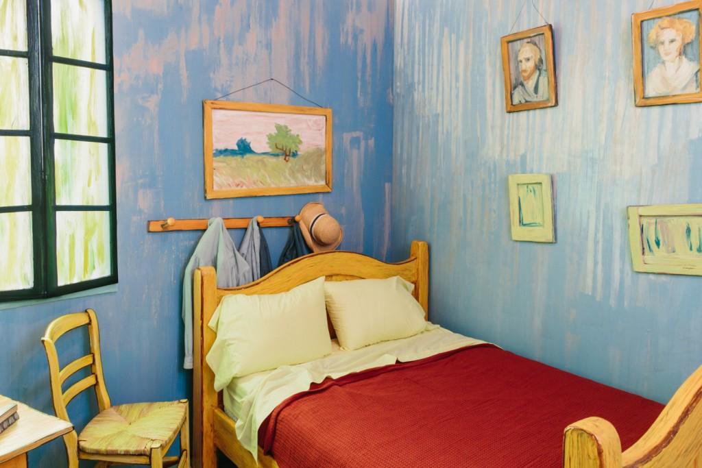 quarto-em-arles-van-gogh-tamanho-real-airbnb-1-blog-geek-publicitario