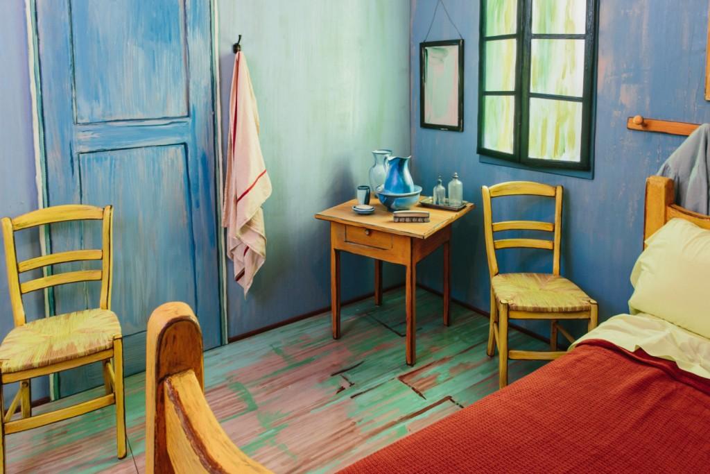 quarto-em-arles-van-gogh-tamanho-real-airbnb-2-blog-geek-publicitario