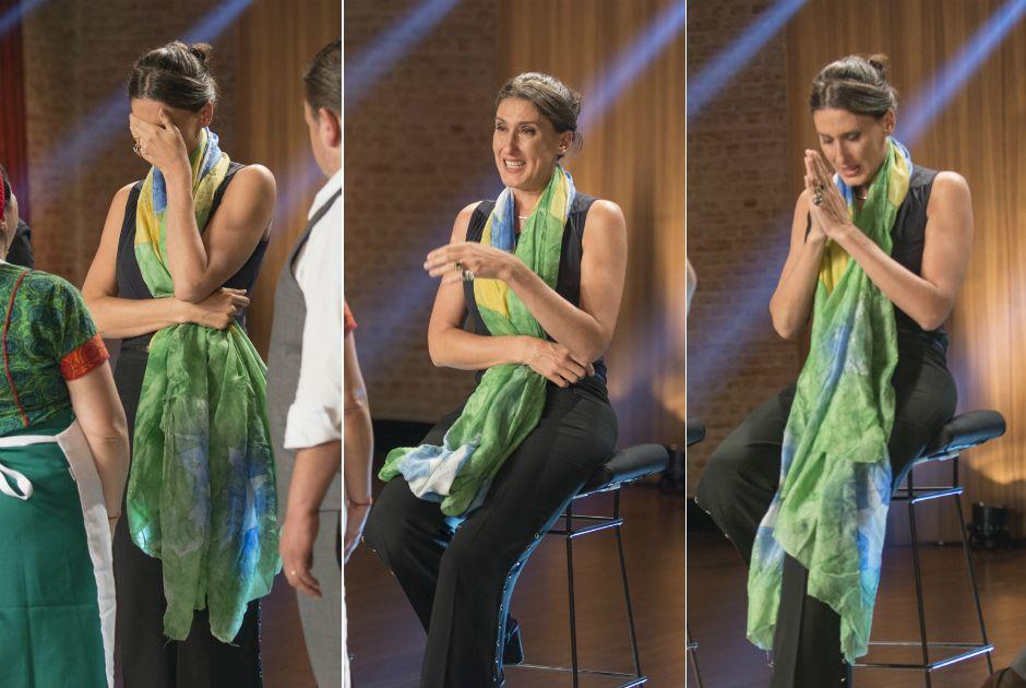 Paola Carosella foi enrolada em uma bandeira e ficou extremamente emocionada