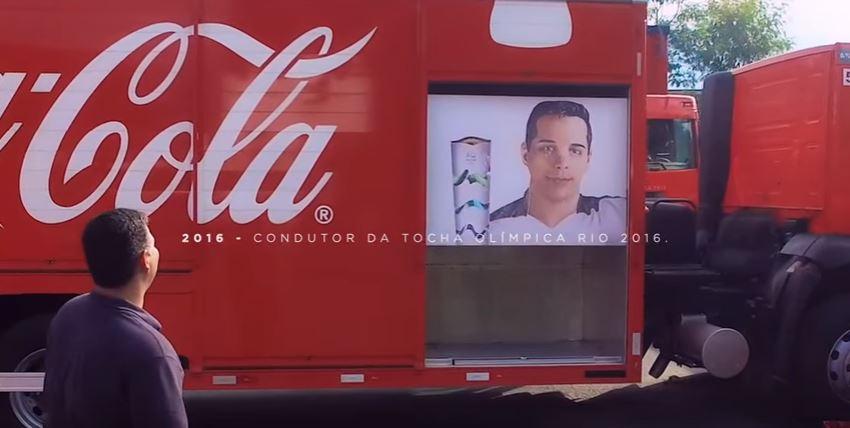coca-cola-surpreende-colaborador-tocha-olimpica-blog-gkpb