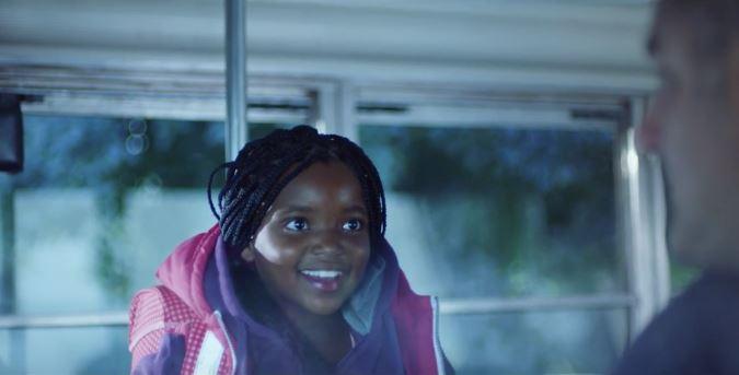 Crianças de todo o mundo aprendem a falar 'Oi, amigo, tudo bem?' em comercial do McDonald's