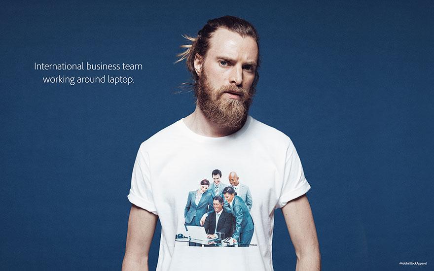 adobe-stock-time-de-negocios-em-volta-do-computador