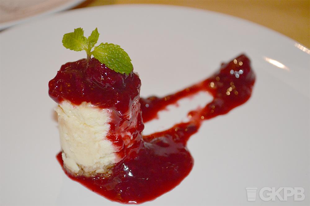 blue-sandwich-market-cheesecake-nyc-style-frutas-vermelhas-guia-gkpb