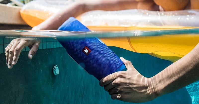 Caixa de som Bluetooth JBL Charge 3 chega ao Brasil