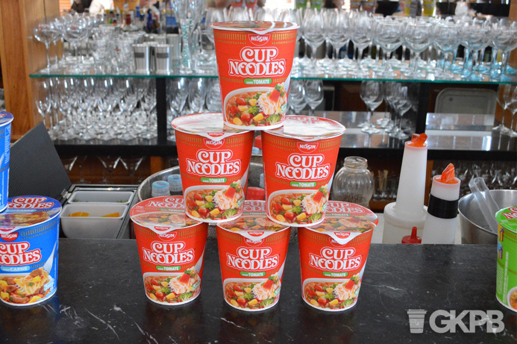 novo-cup-noodles-tomate