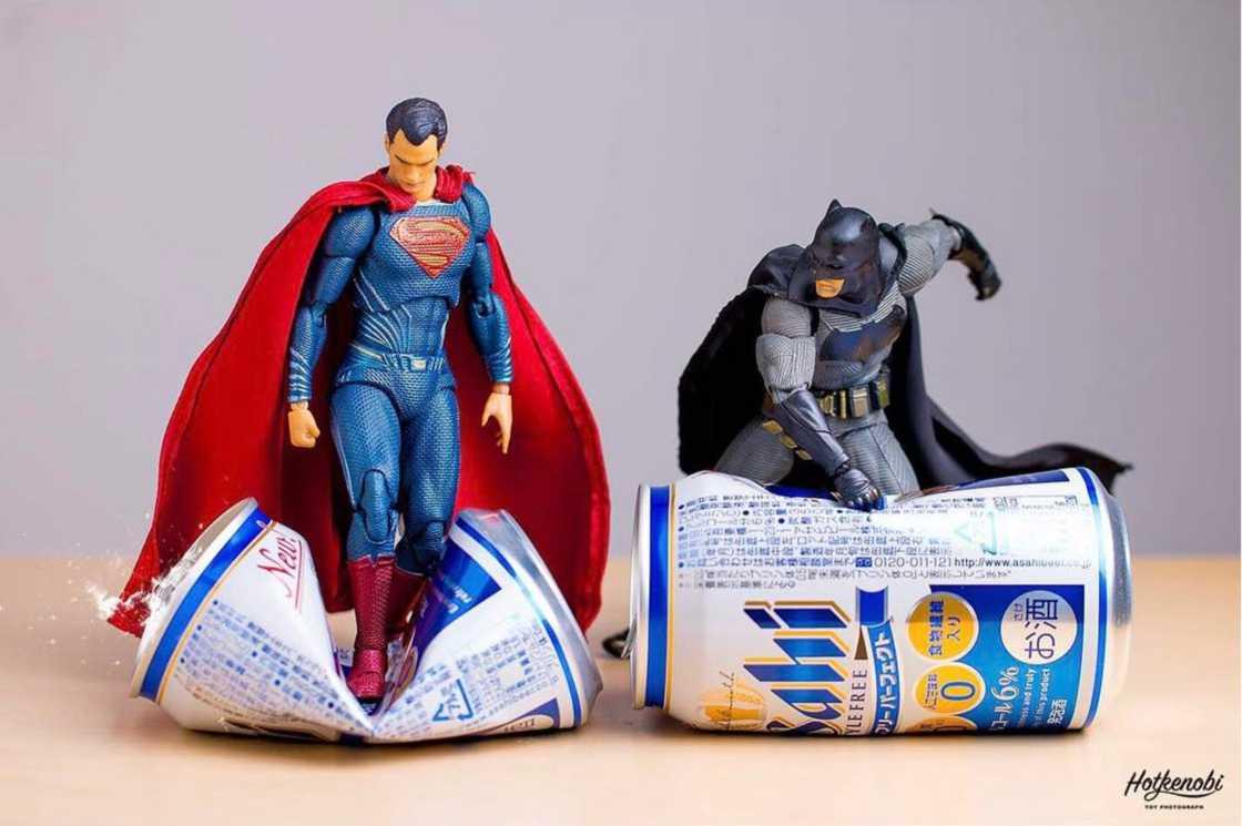 Bonecos de super-heróis ganham vida em trabalho de fotógrafo japonês 31d9b2d19b
