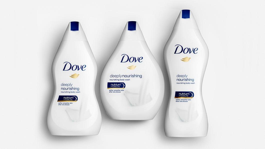 Embalagens Dove com design que representa corpo feminino