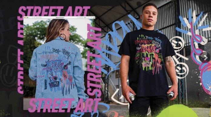 A esquerda uma menina usando a jaqueta e a direita um garoto usando a camisa da nova coleção da Youcom, com a estampa criada por artistas da comunidade Bom Jesus.