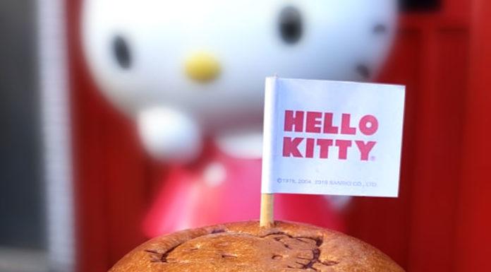 Foto de divulgação do hambúrguer do Dia do Hambúrguer da Hello Kitty.