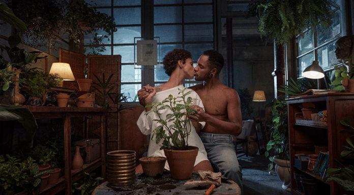 Campanha do mercado livre para o Mês do Orgulho LGBTQIA+.