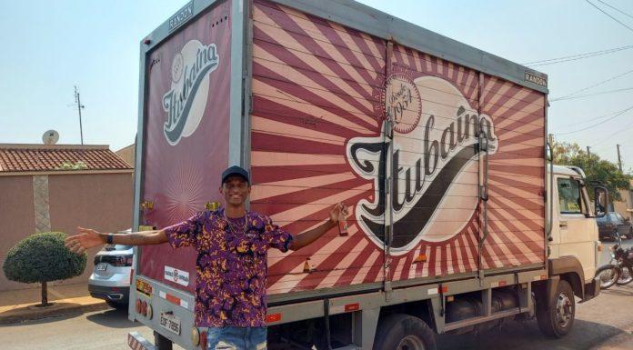 Alison dos Santos e o caminhão de Itubaína