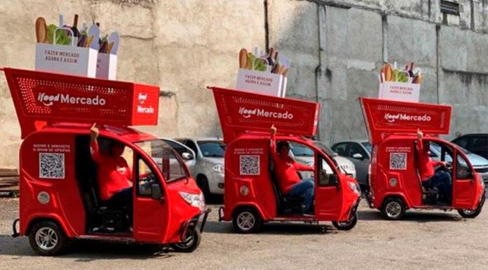 Carrinhos de Compras gigantes iFood.