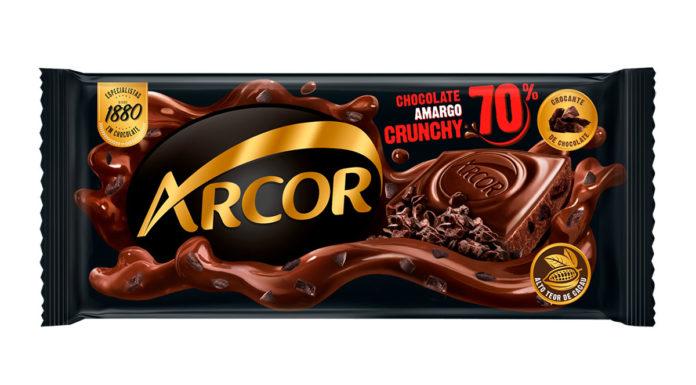 Chocolate Amargo 70% Cacau Crunchy da Arcor.
