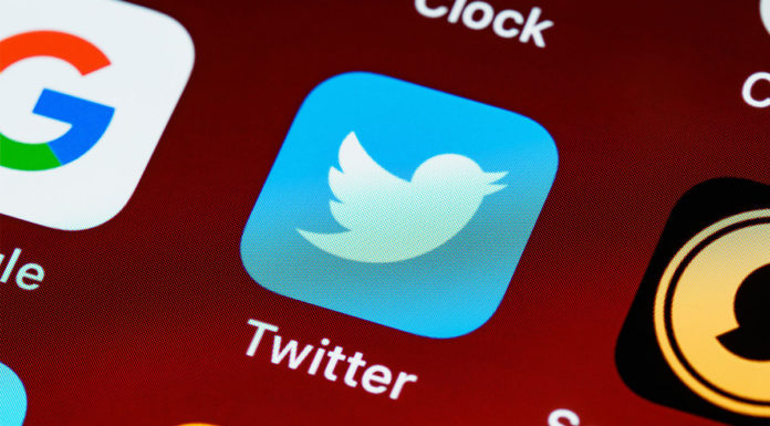 Twitter vai identificar contas robôs.