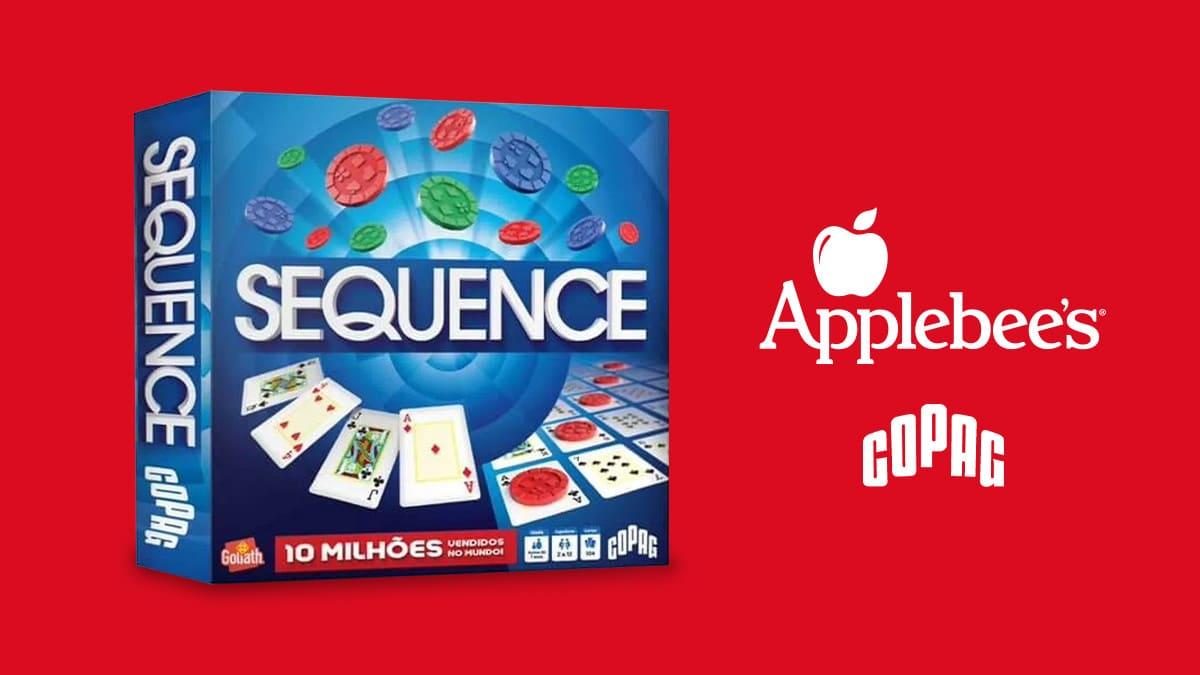 A foto apresenta um fundo vermelho, com o jogo Sequence na frente, e ao seu lado direito apresenta os logos do Applebee's e Copag.