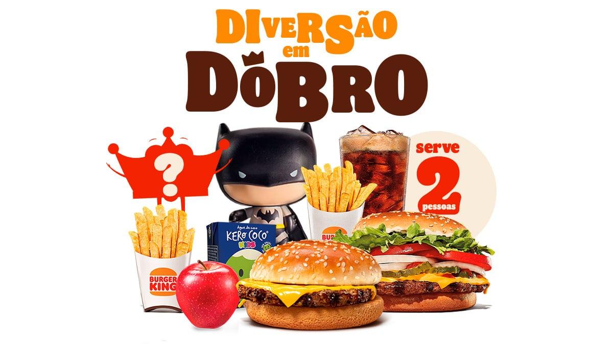 A foto apresenta um dos combos com brinde em dobro do Burger King.